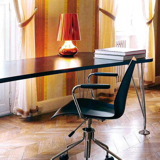 tavolo max kartell shop online su dtime. Black Bedroom Furniture Sets. Home Design Ideas