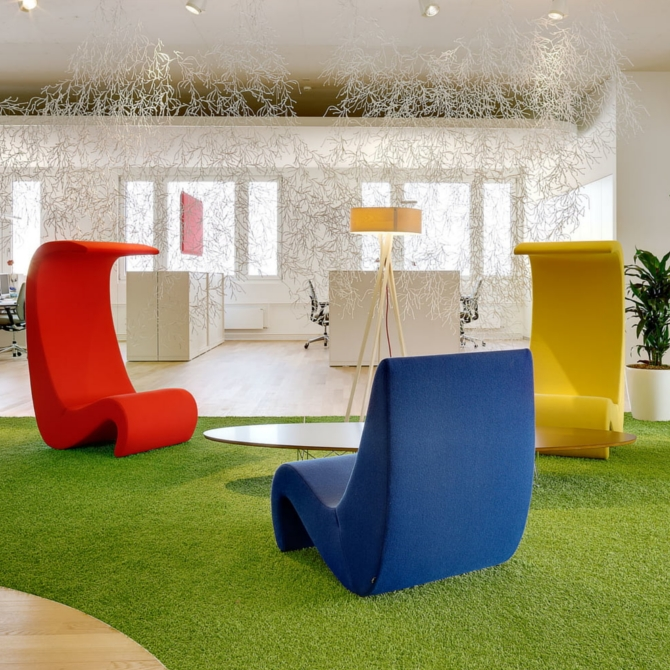 amoebe sedia lounge ambientata giardino