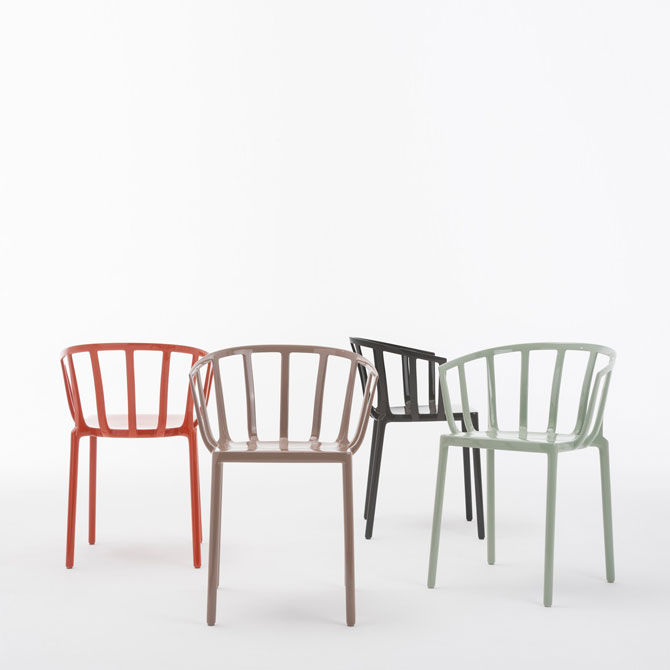 Sedia venice by philippe starck kartell shop online su for Sedie design kartell